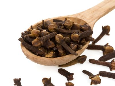 Understanding the Many Uses of Cloves