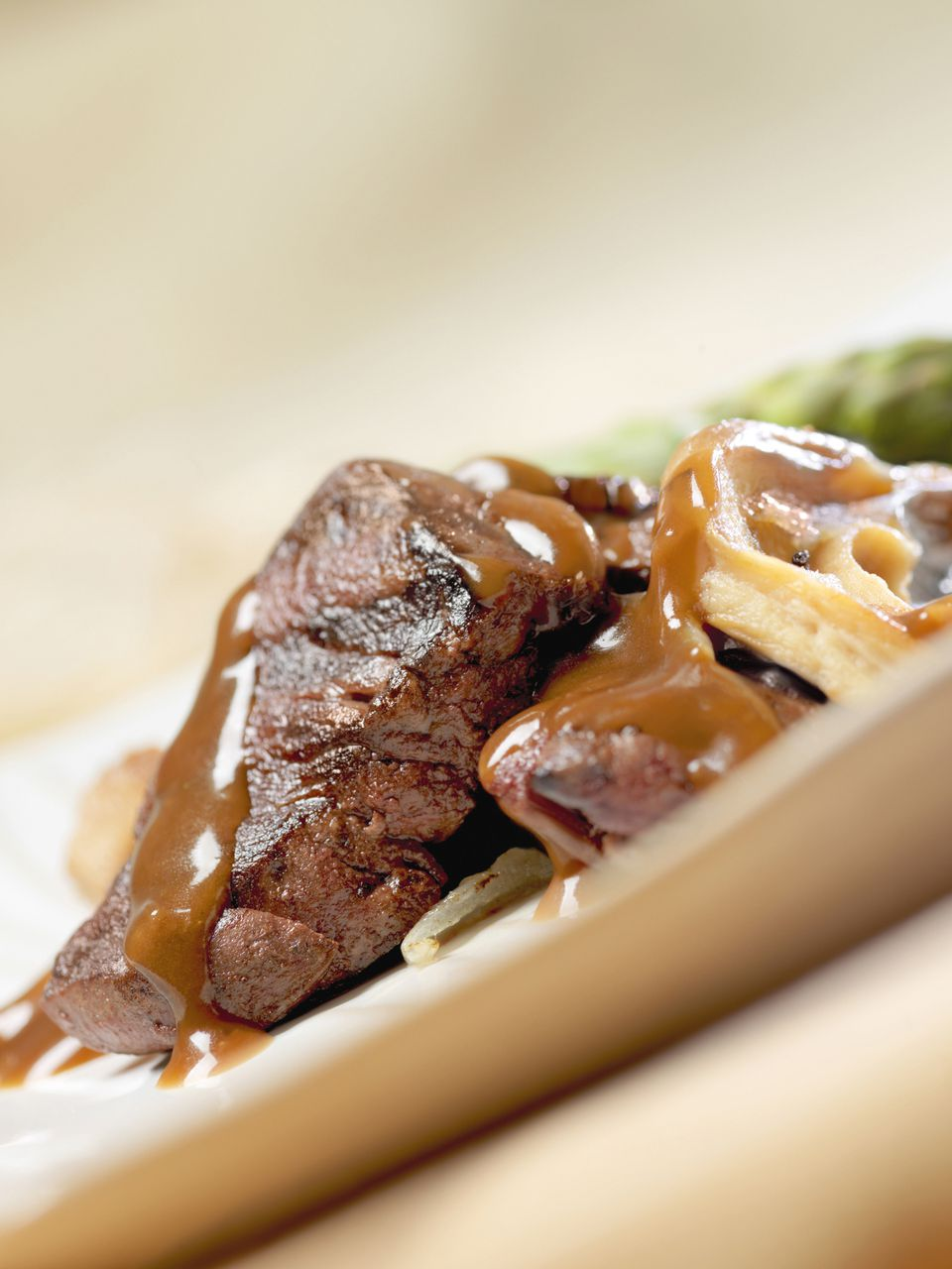 venison steak with mushrooms