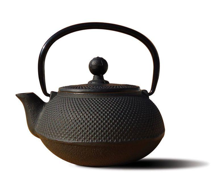 Old Dutch Internal Sapporo Cast Iron Teapot