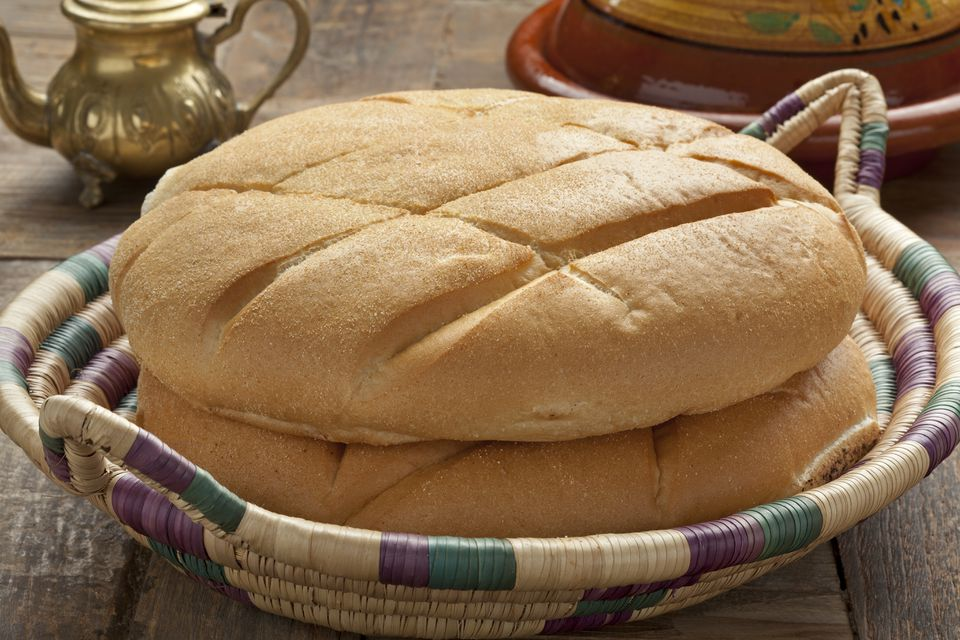 Moroccan white bread in a basket.