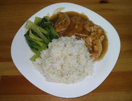 A plate of stir-fry chicken in rice wine