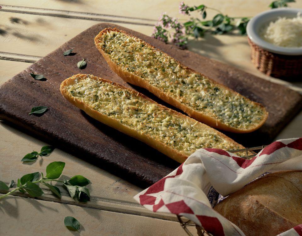 Roasted Garlic Bread for the Bread Machine