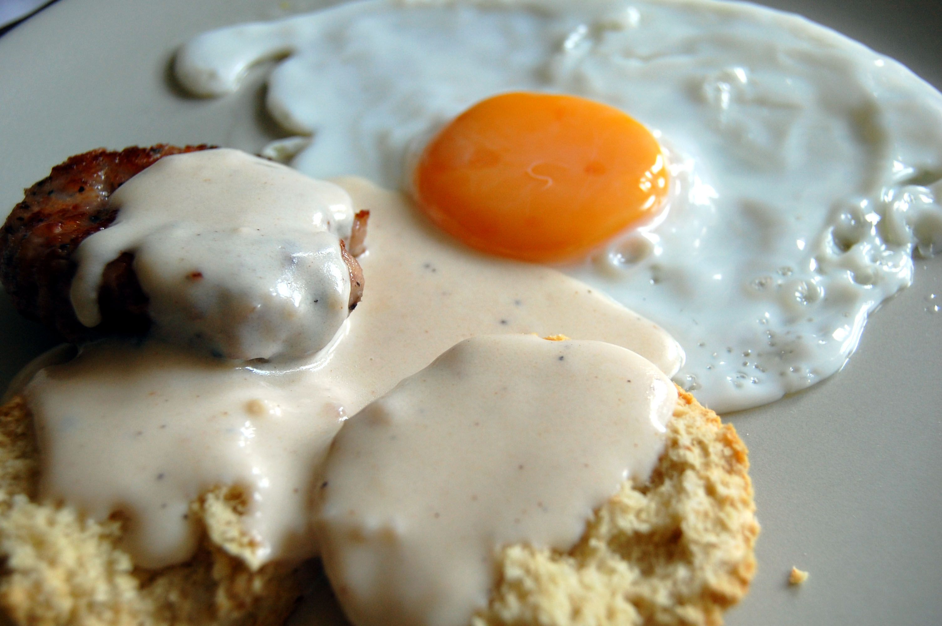 Homemade Southern Cream Gravy With Drippings
