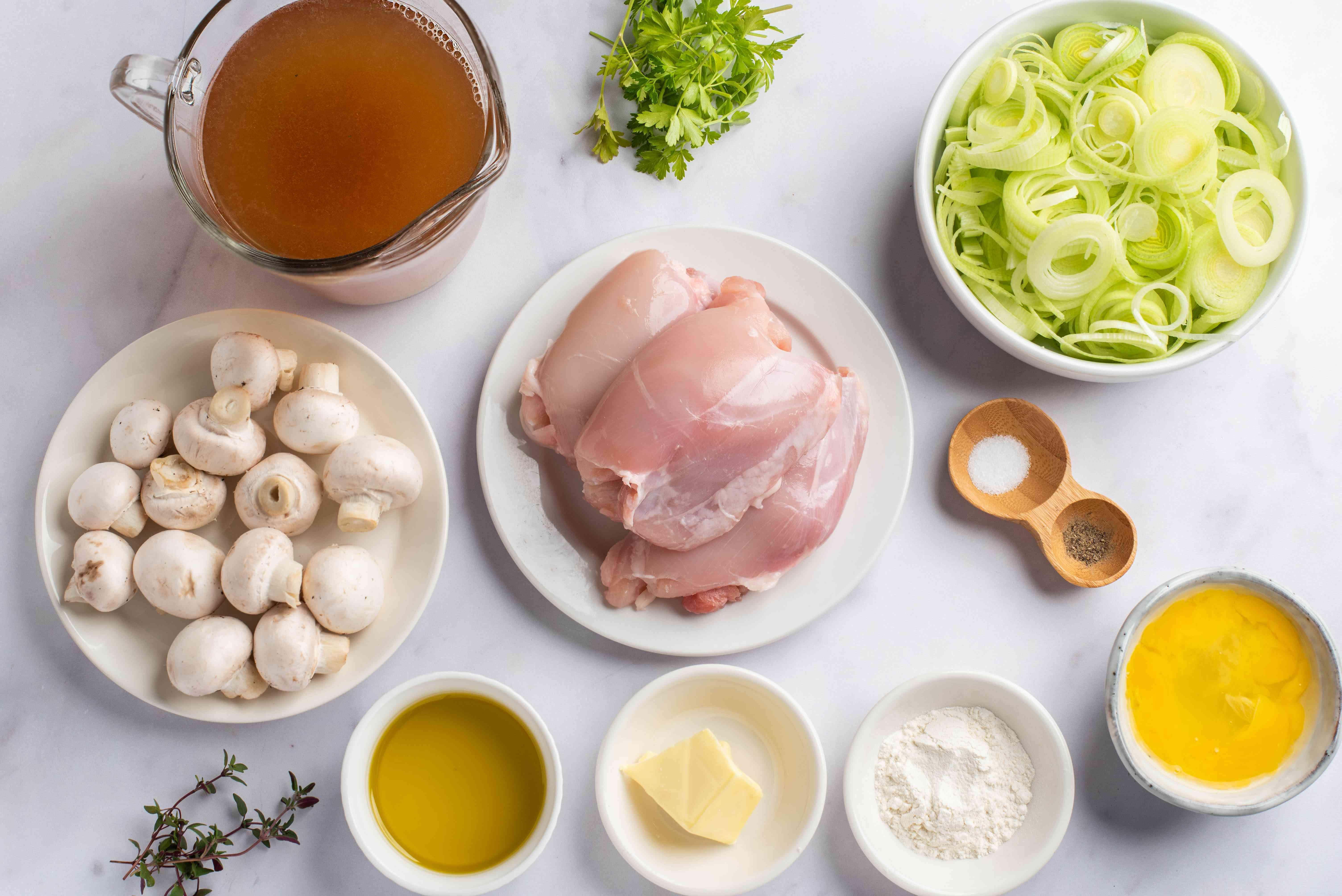 Ingredients for creamy mushroom chicken leek pie