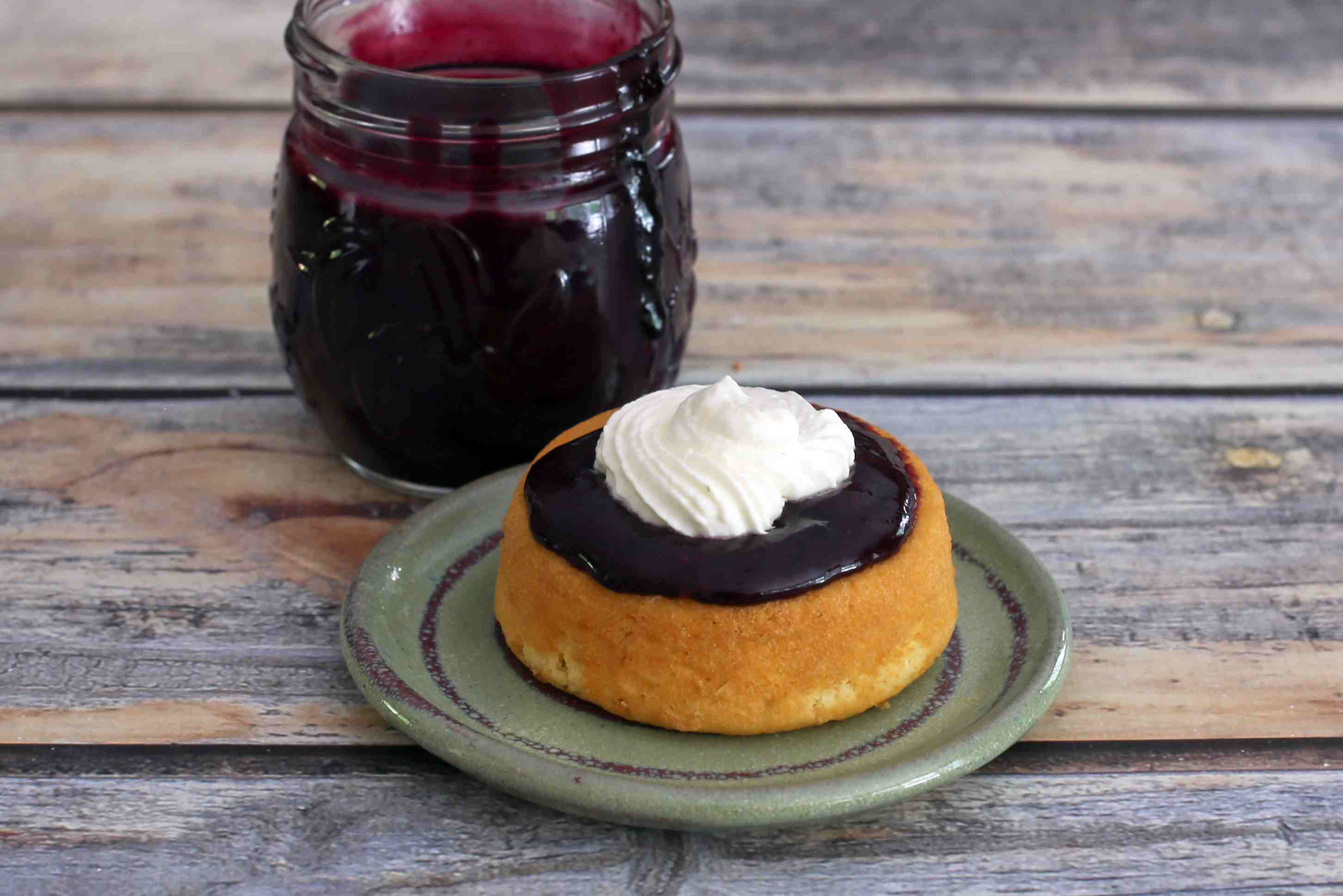 Blueberry curd with lemon