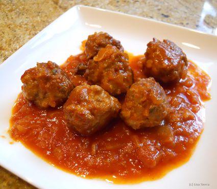 Lamb Meatballs With Mint in Tomato Sauce - Albondigas de Cordero