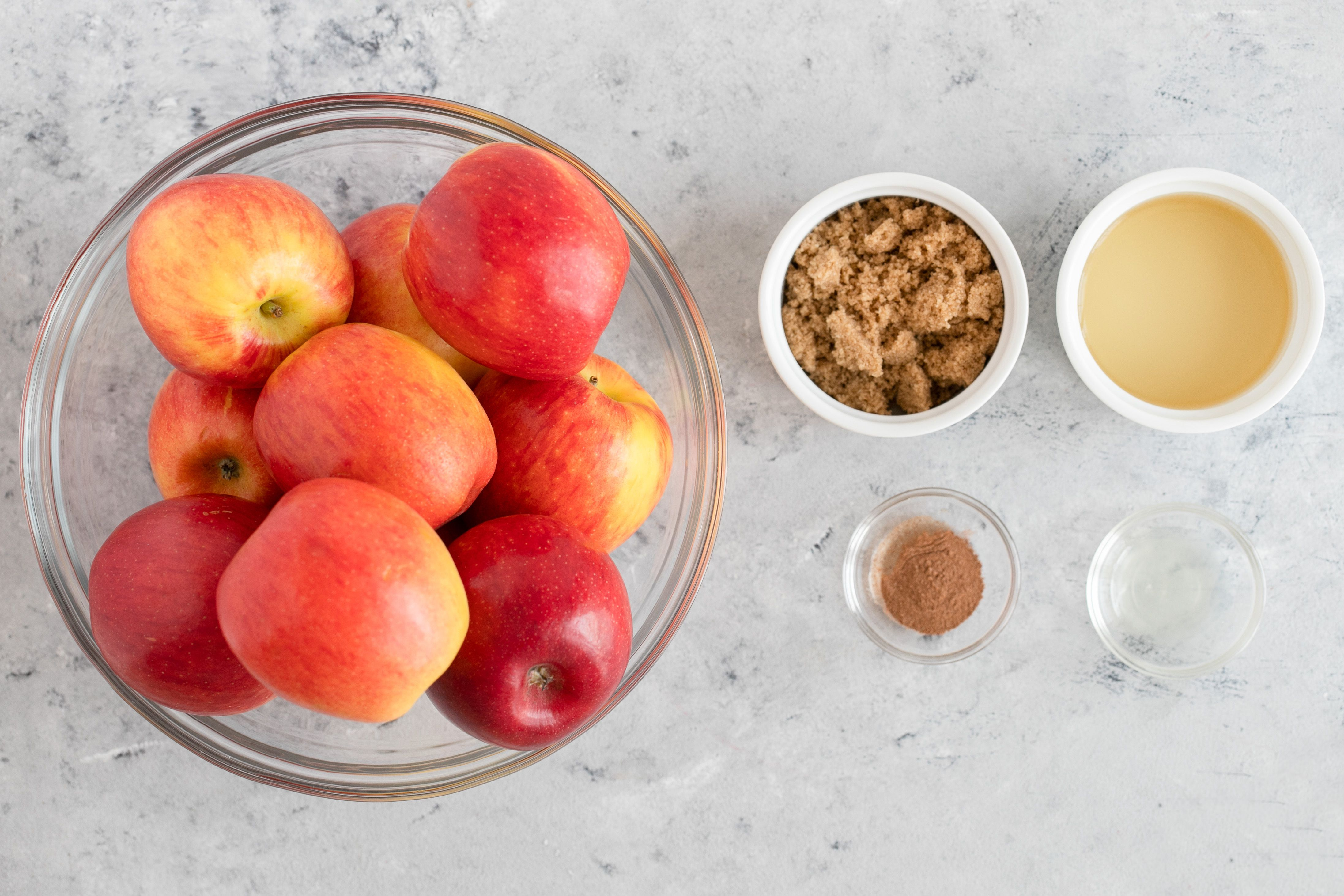 Ingredients for applesauce