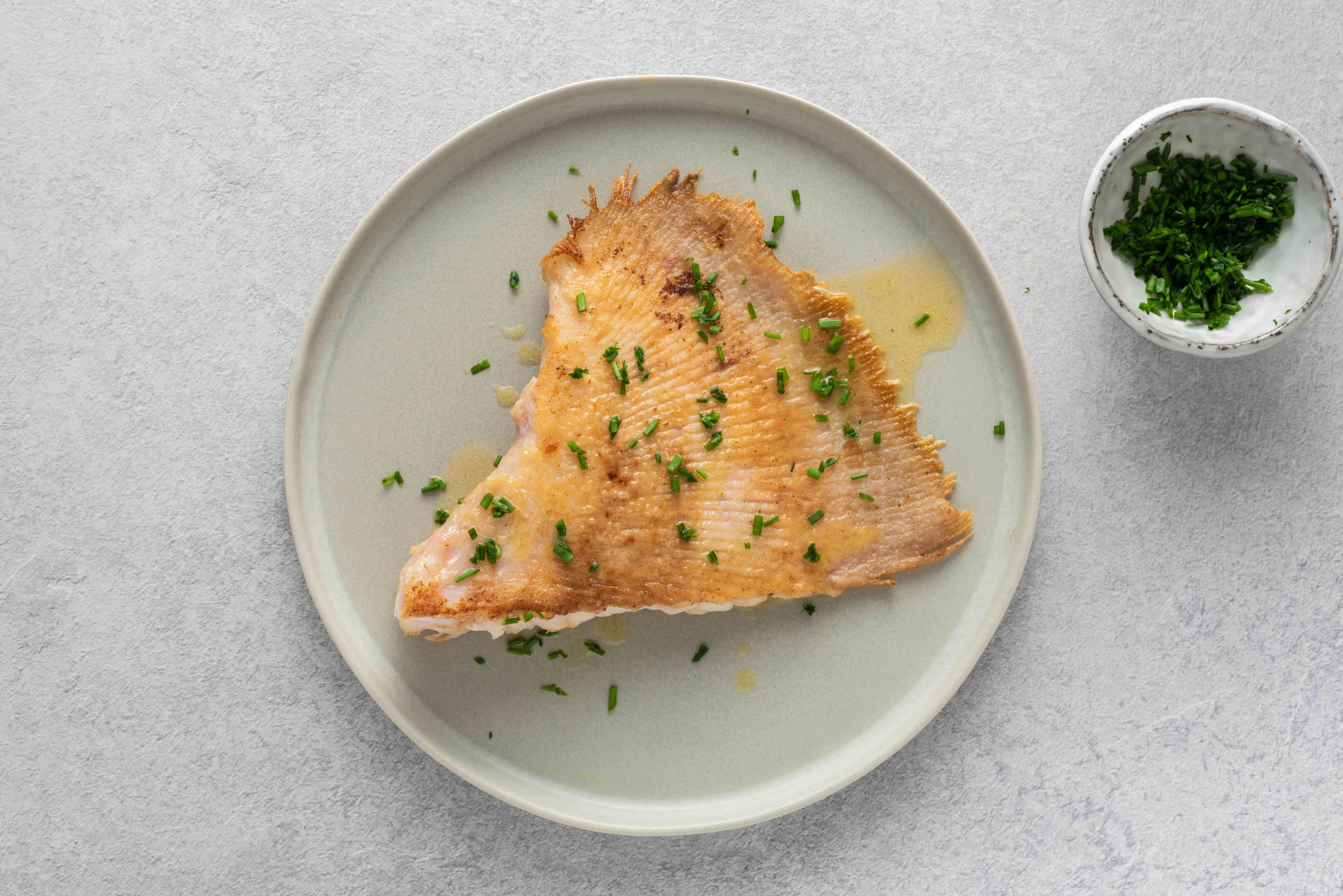 Skate wing with brown butter with chives