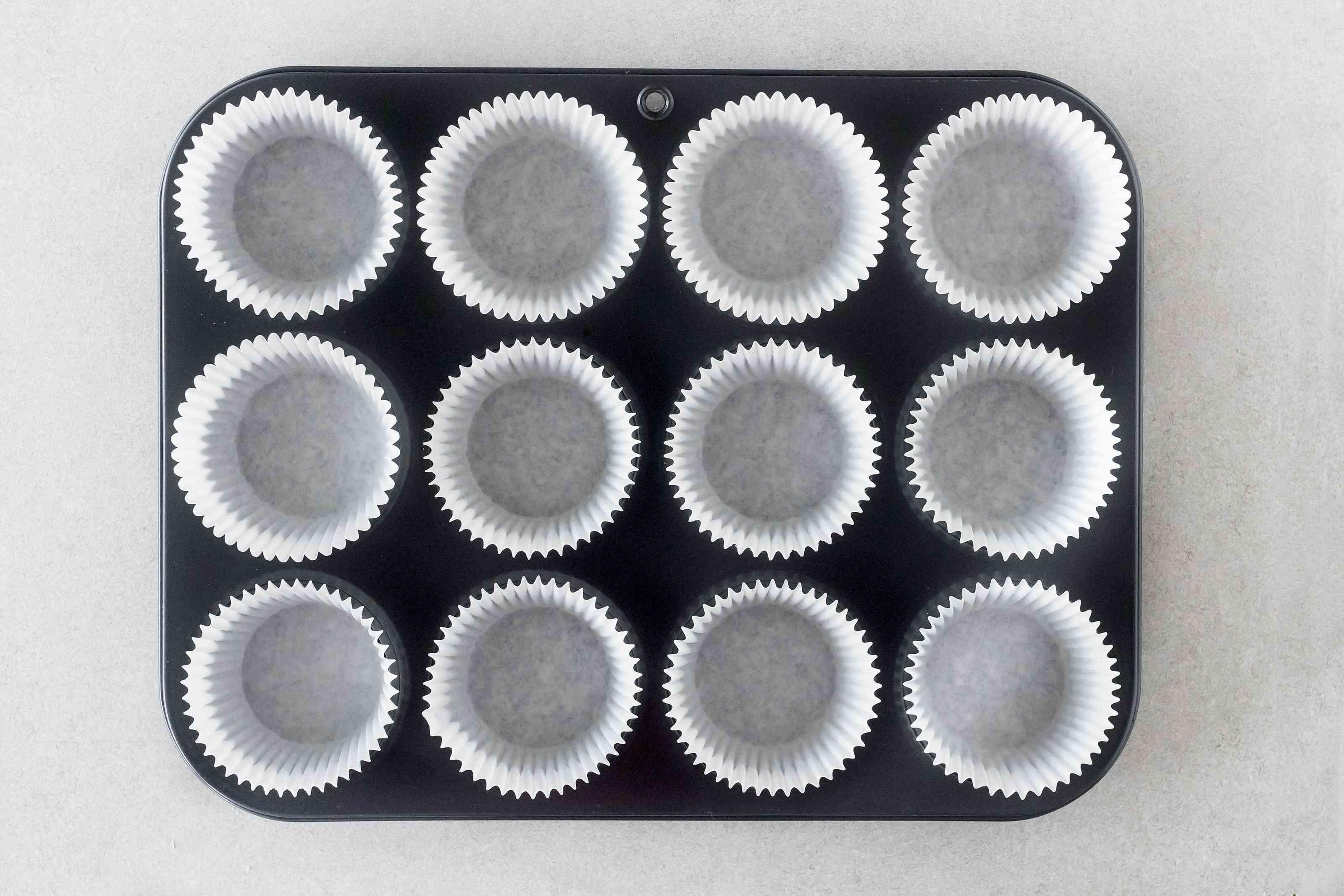 Line a muffin tin