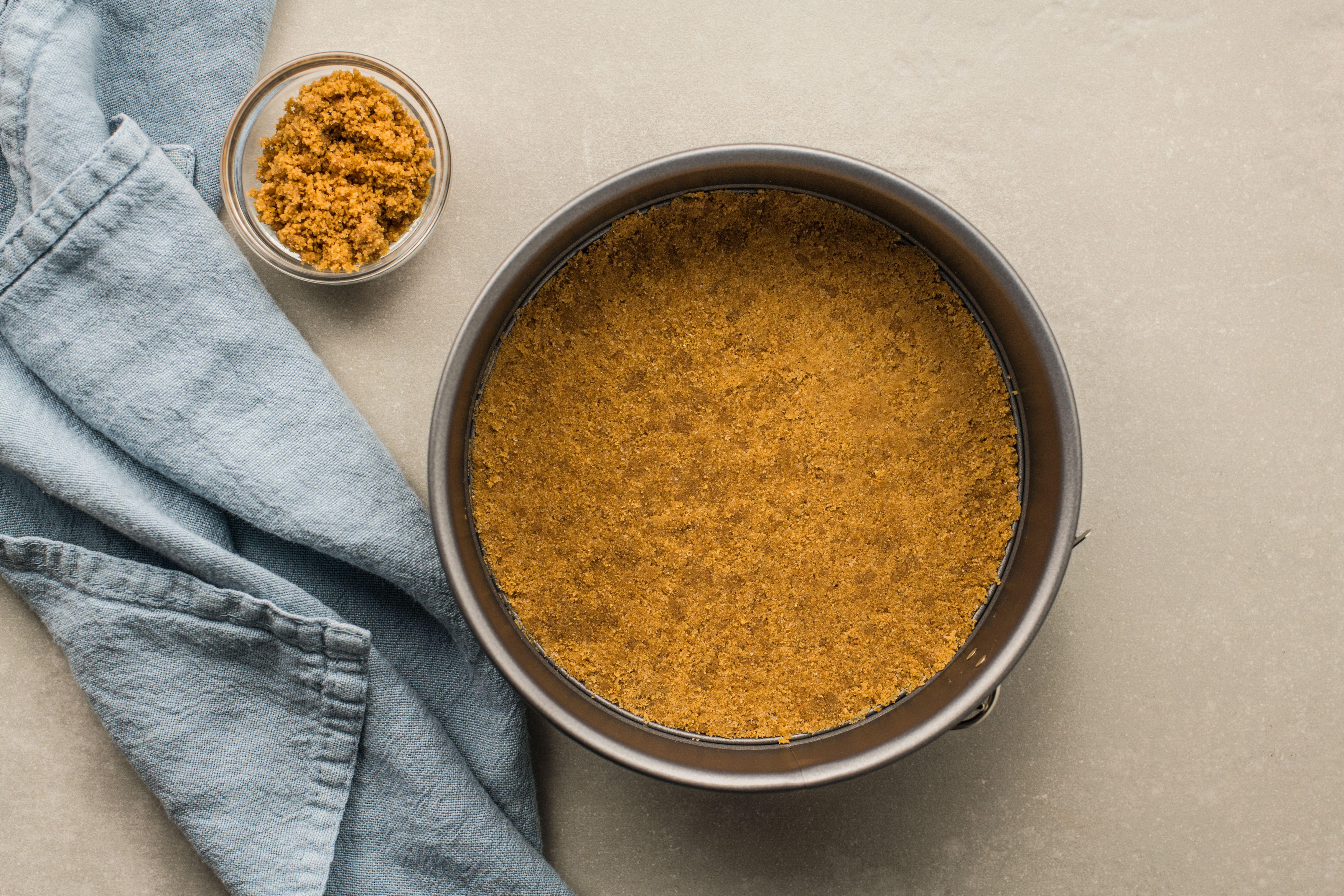 Graham crackers crumbs in bowl