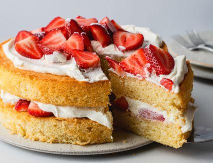Strawberry and cream sponge cake recipe