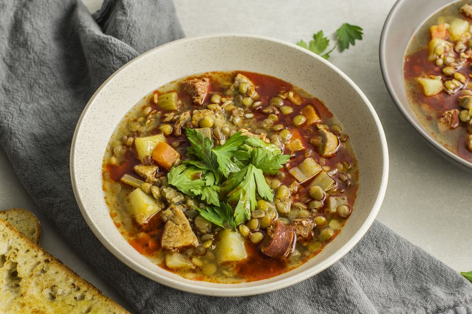 Sopa de Lentejas: Receta de sopa de lentejas española