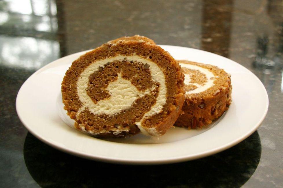 Classic Pumpkin Cream-Cheese Roll Cake