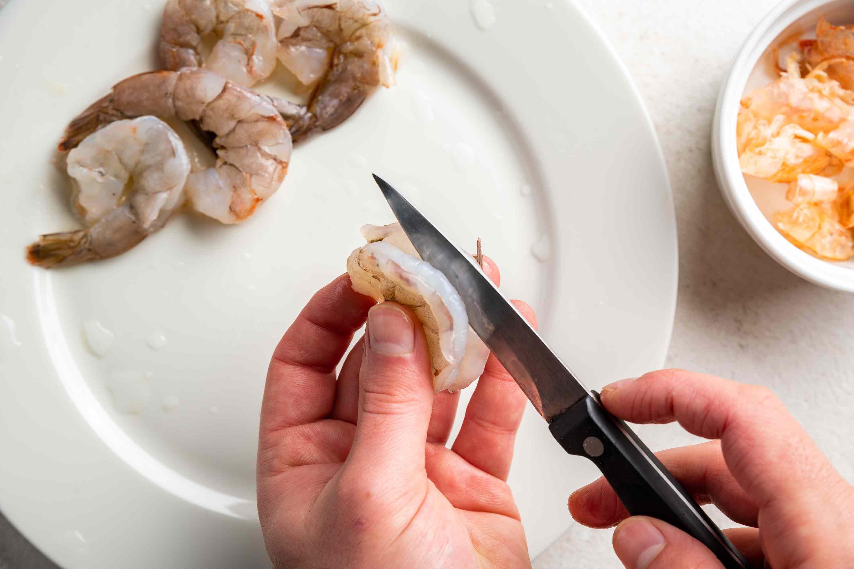 clean the shrimp