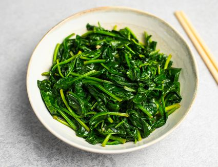 Stir fry spinach with garlic recipe