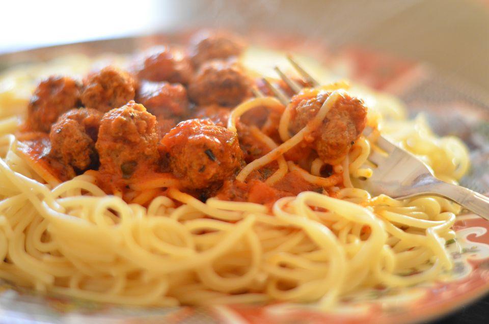 pasta-sauce-meatballs-3329-x-2205.jpg