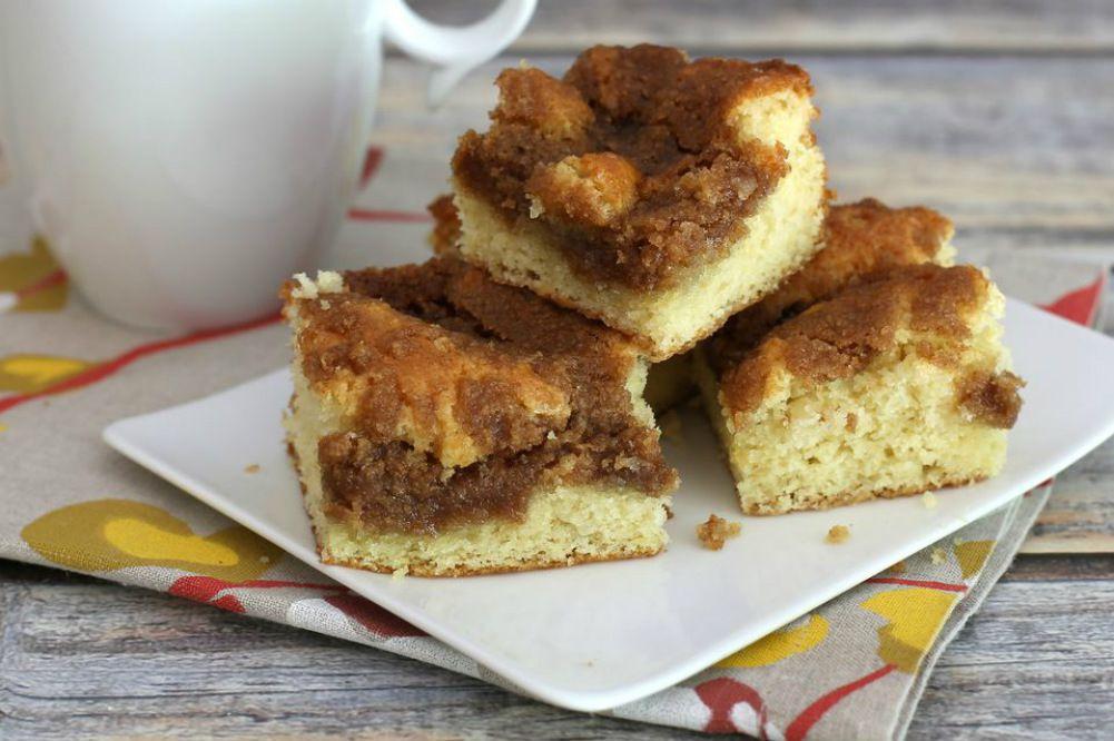 Coffee Cake With Brown Sugar Cinnamon Crumb Topping