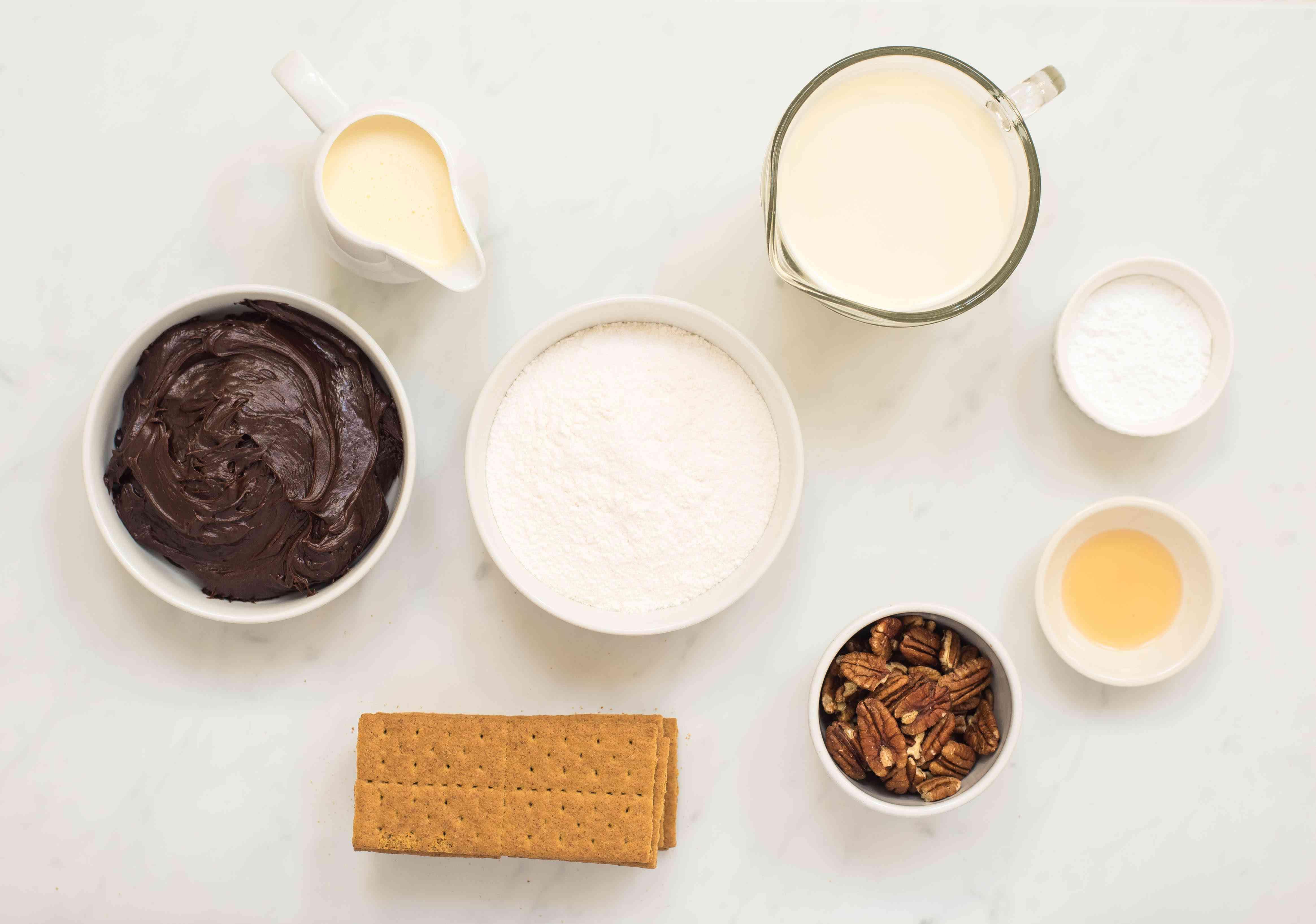 Ingredients for graham cracker icebox cake