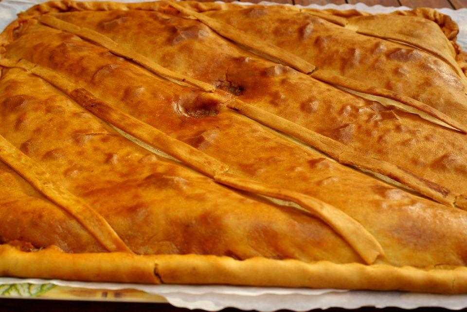 Pie de atún gallego (Empanada Gallega de Bonito)
