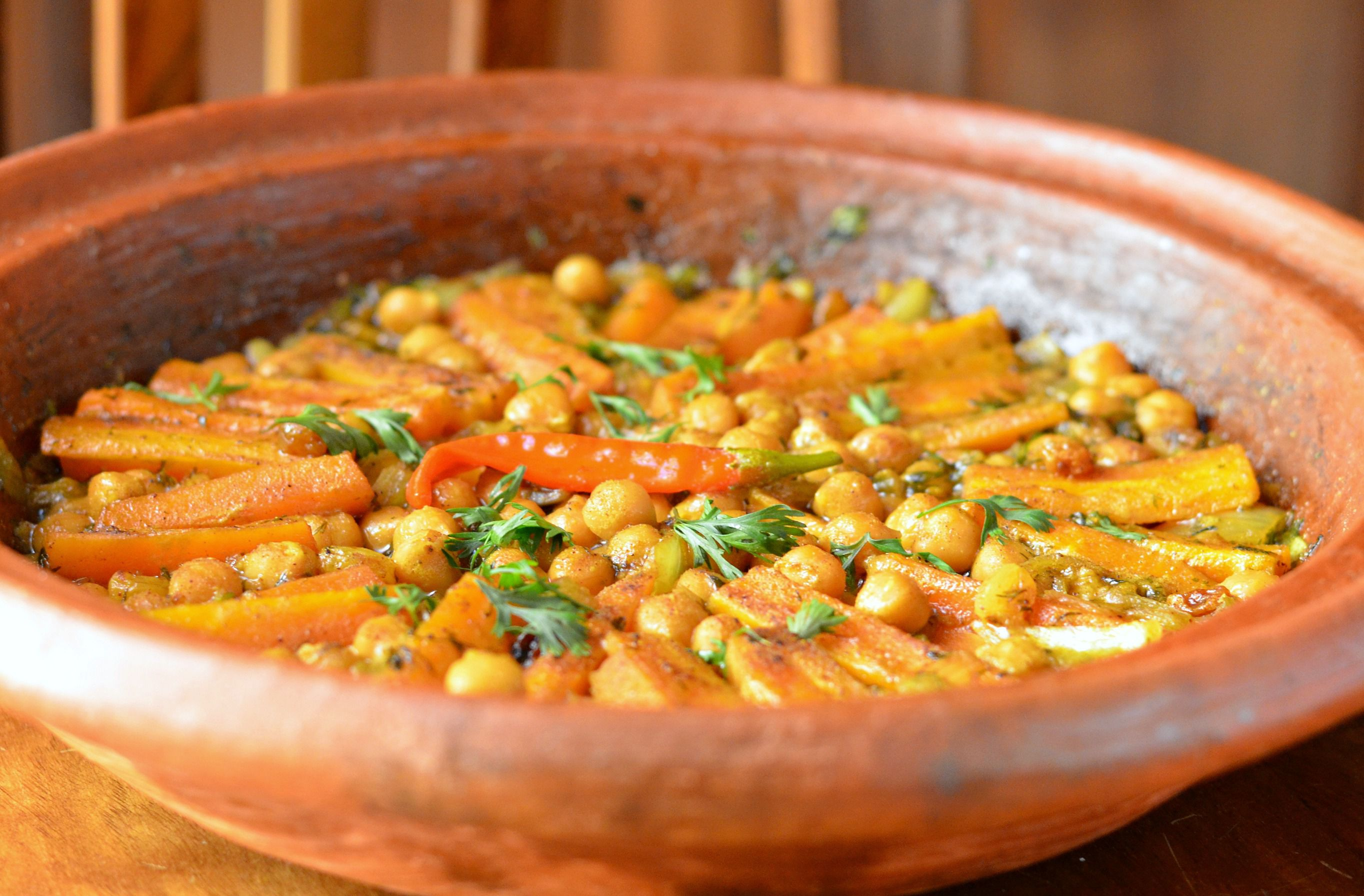 Moroccan Vegetarian Carrot and Chickpea Tagine