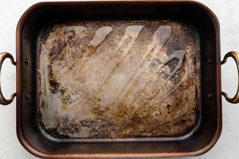 oil in a roasting pan