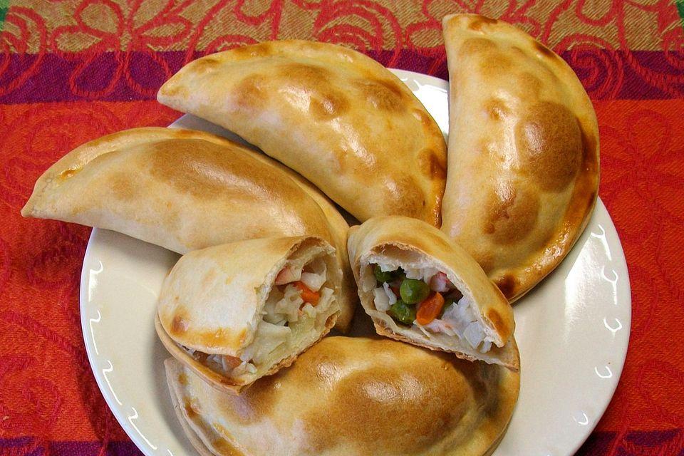 9 delicious mexican food ideas for lent with recipes empanadas de vigilia forumfinder Image collections