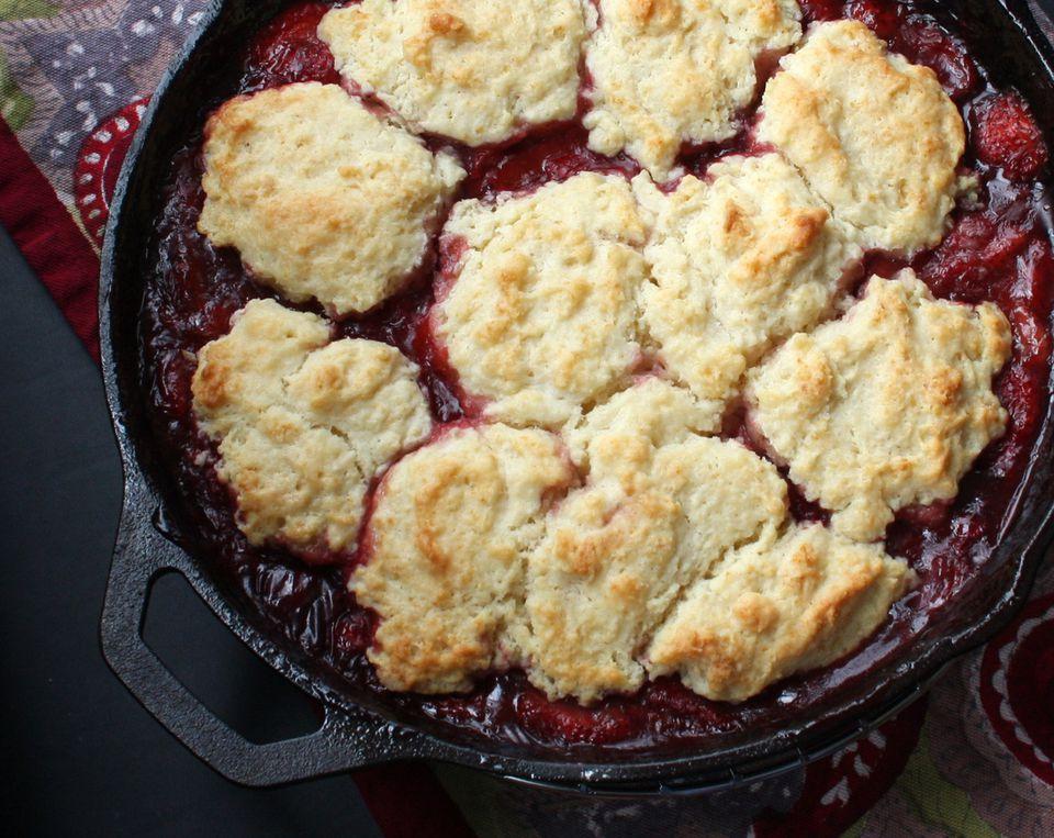 skillet blackberry cobbler
