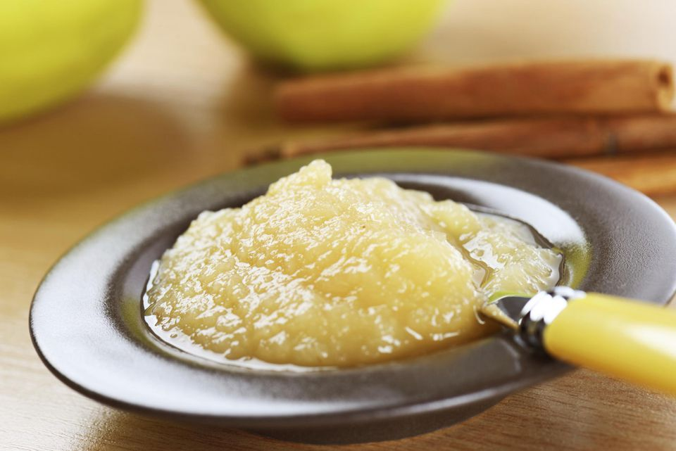 Fresh apple sauce in a bowl.
