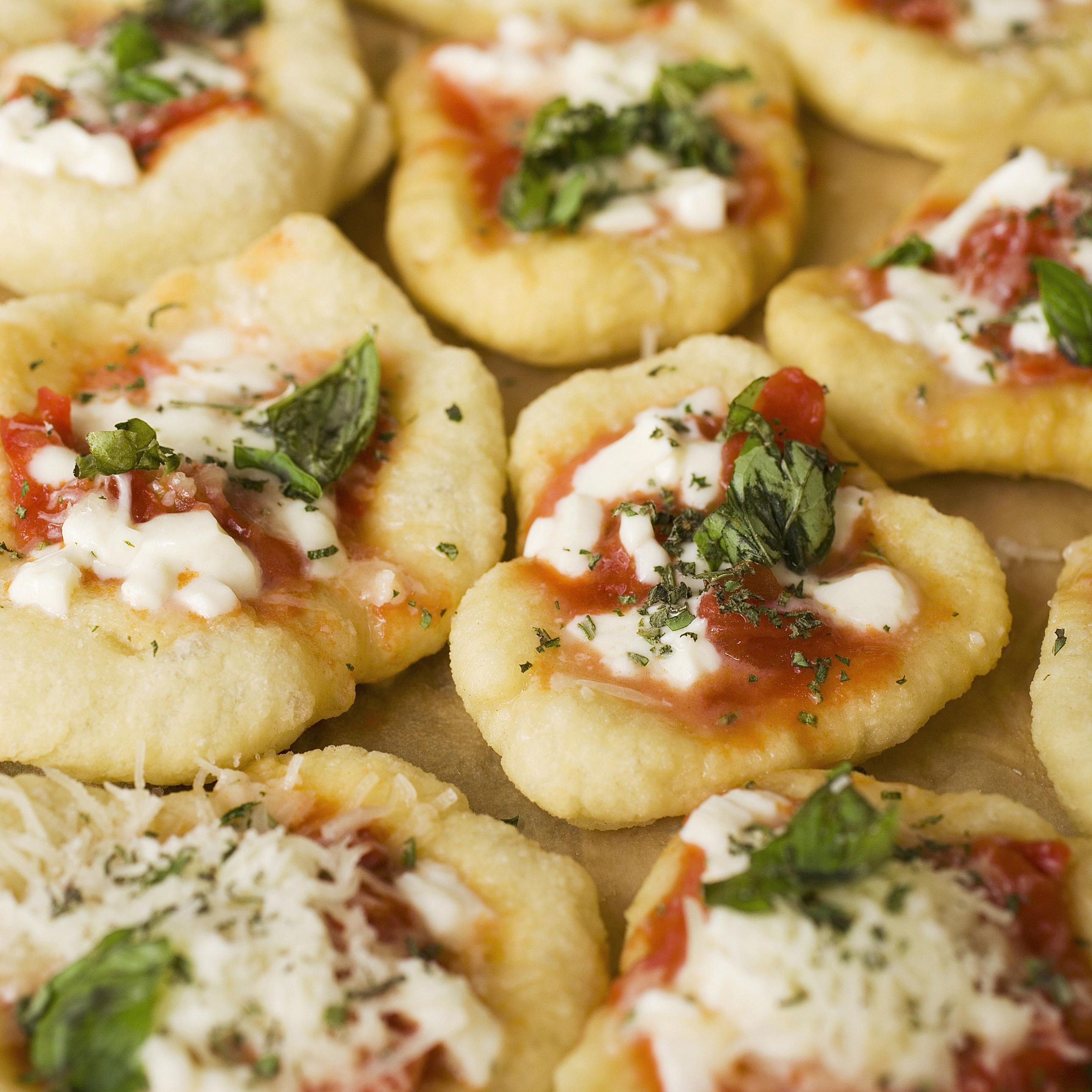 Mini Pizza Bites Is A Fun Appetzer Recipe