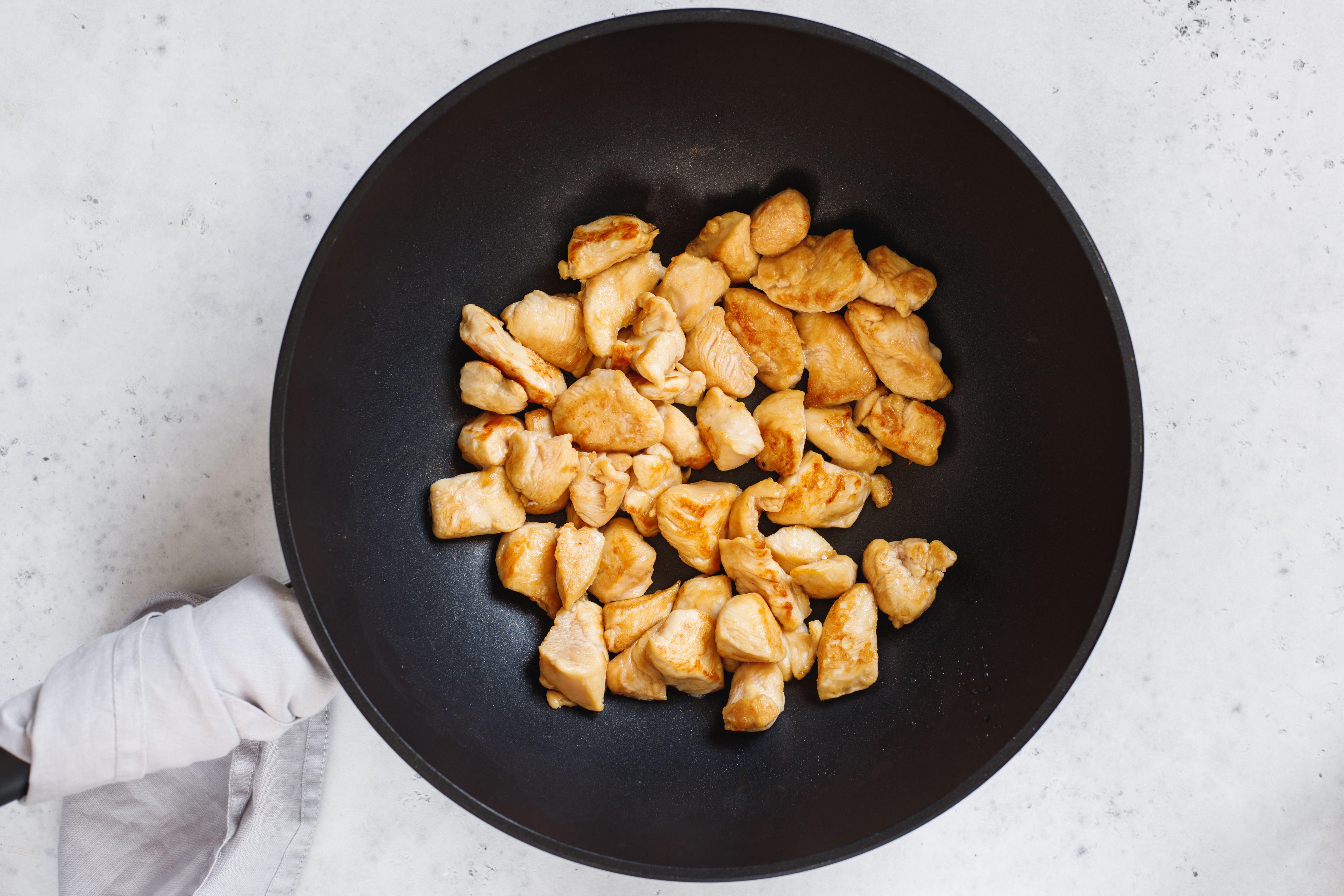 Chicken in the wok
