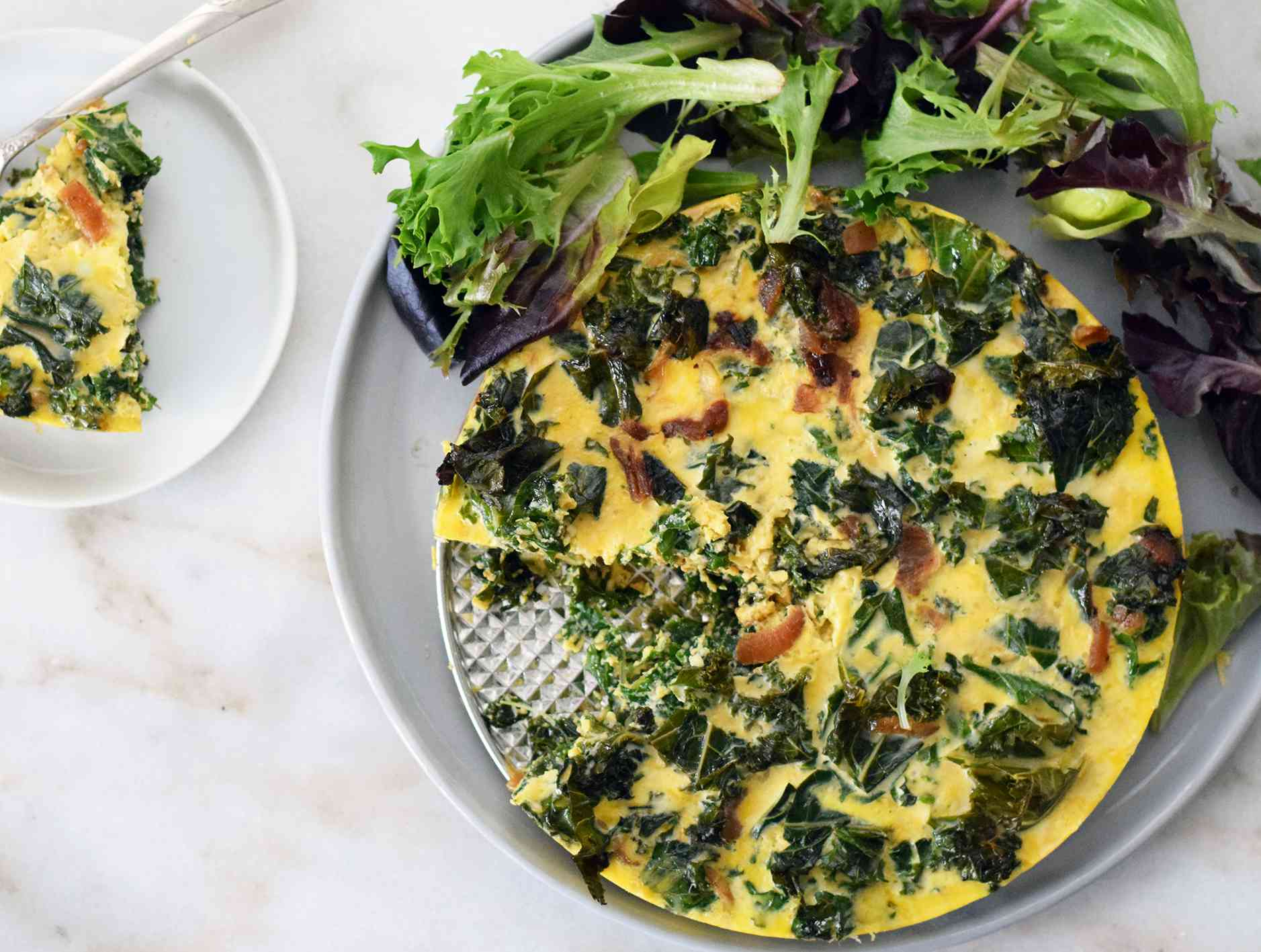 instant pot quiche with salad on a platter