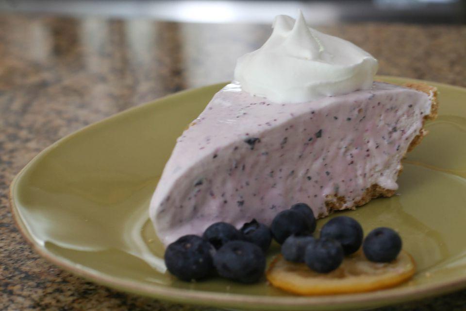 Frozen Blueberry Lemonade Pie