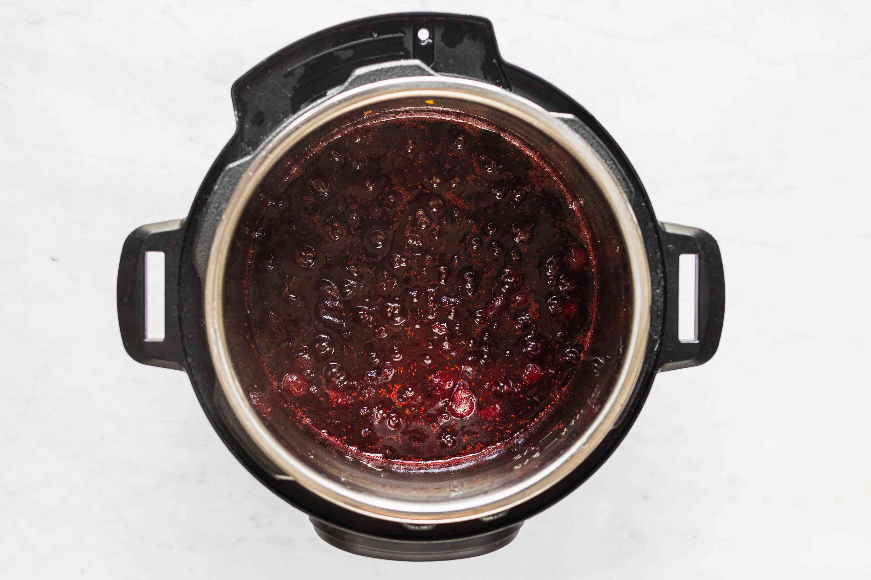 cranberry sauce in an instant pot