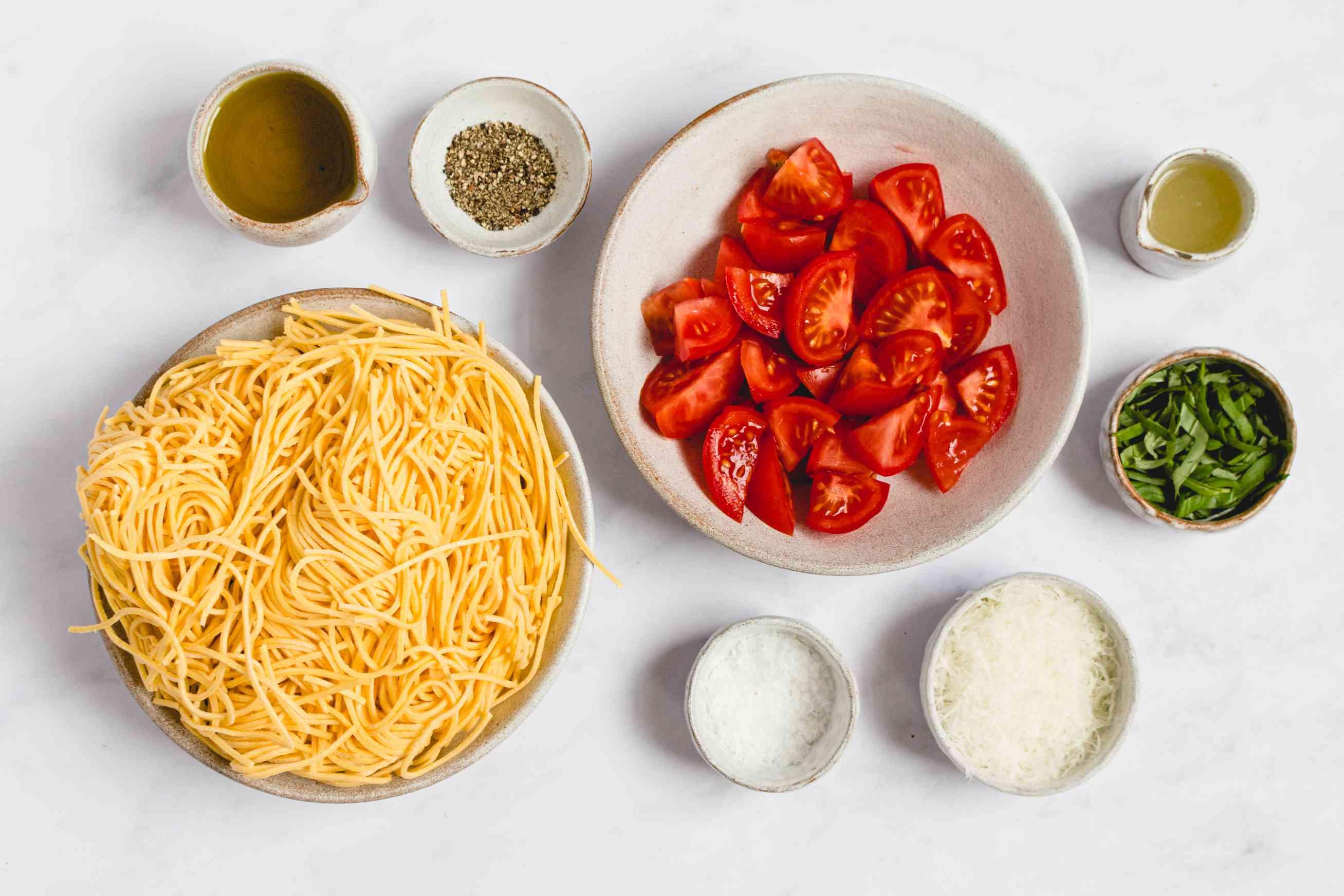 Fresh Tomato Pasta With Basil ingredients