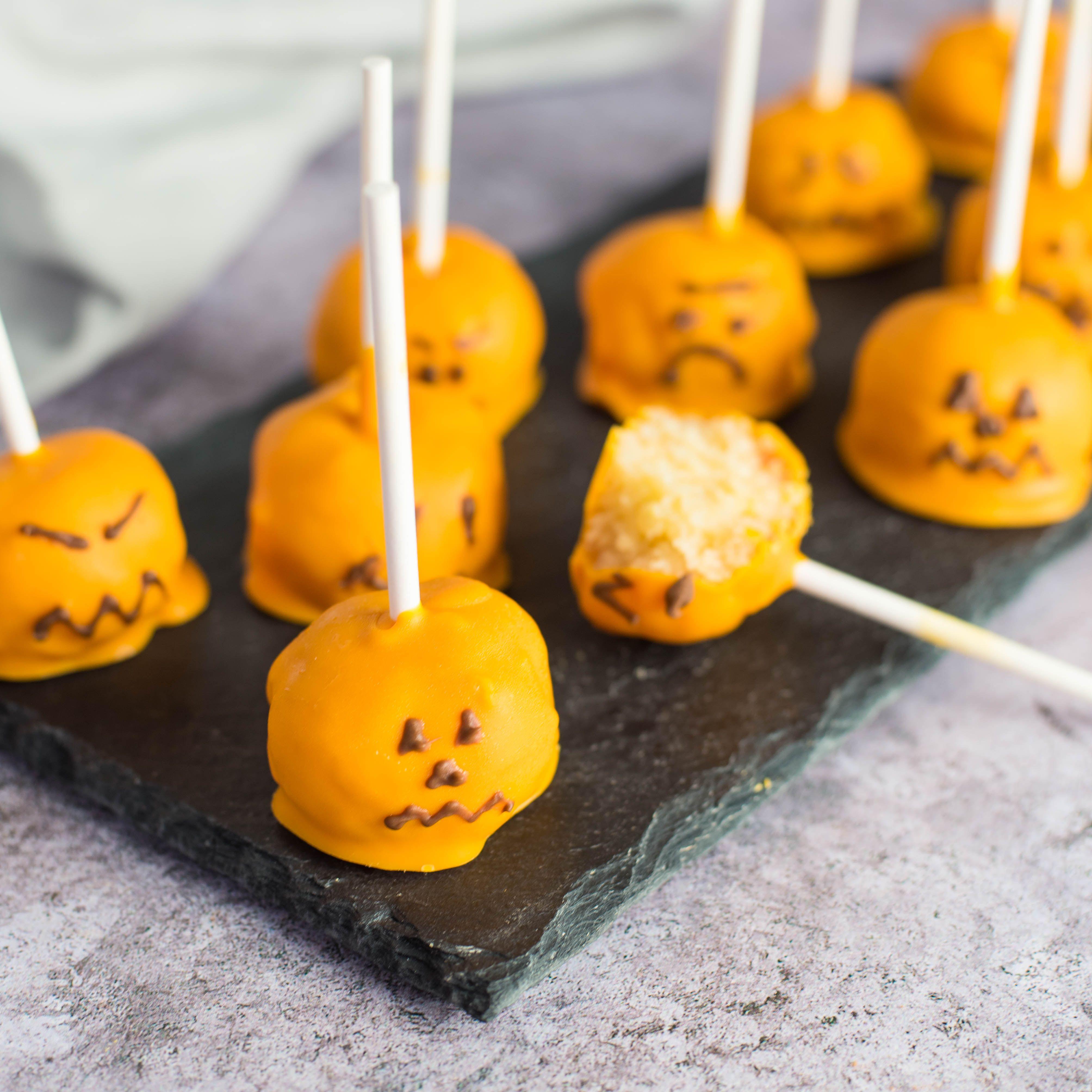 Pumpkin Cake Pops Recipe