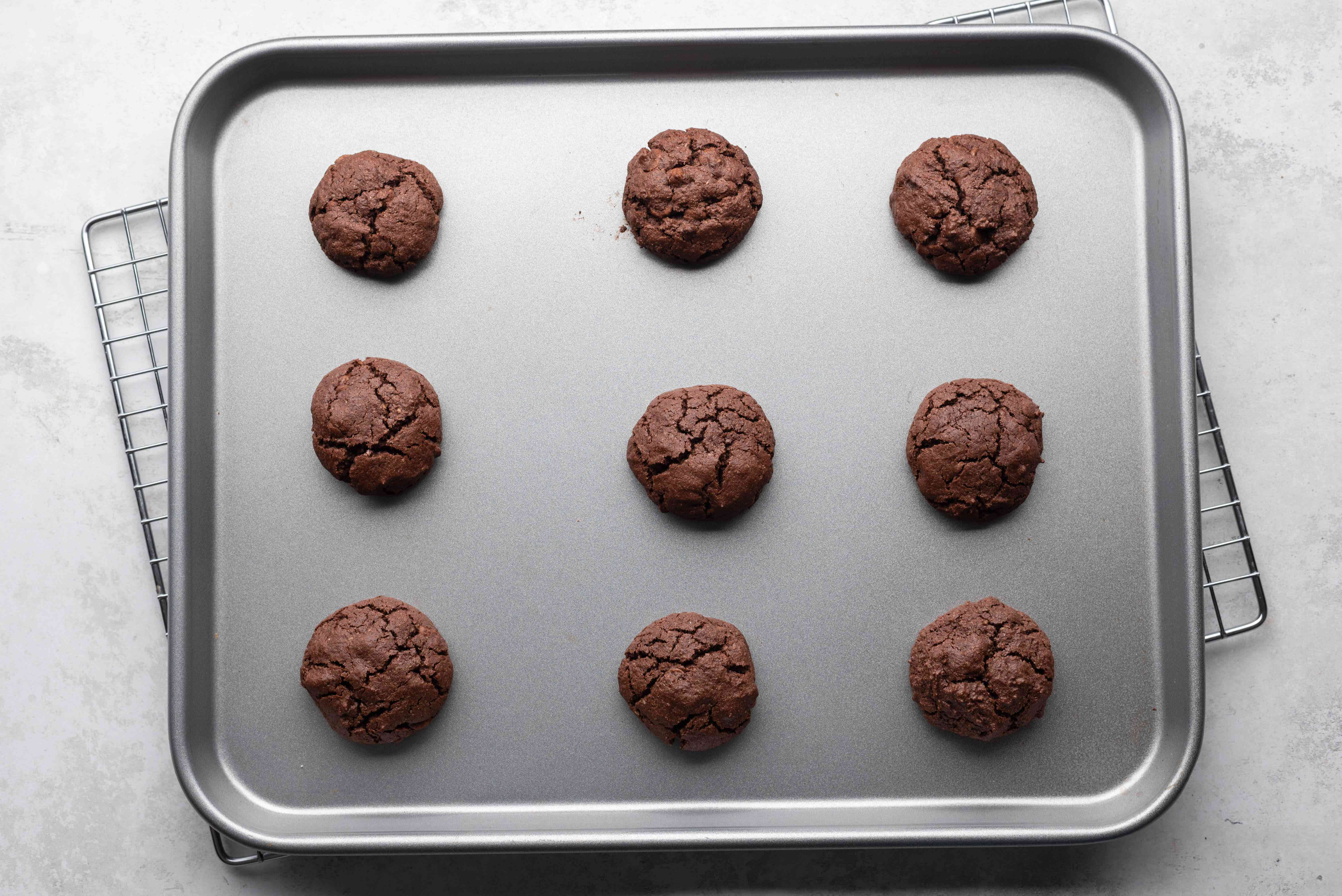 cookies on a baking sheet, on a cooling rack