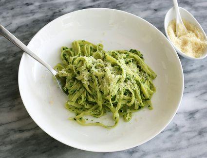 spinach pesto with linguine