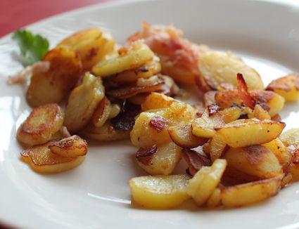 Bratkarfoffeln (German potatoes) on a white plate