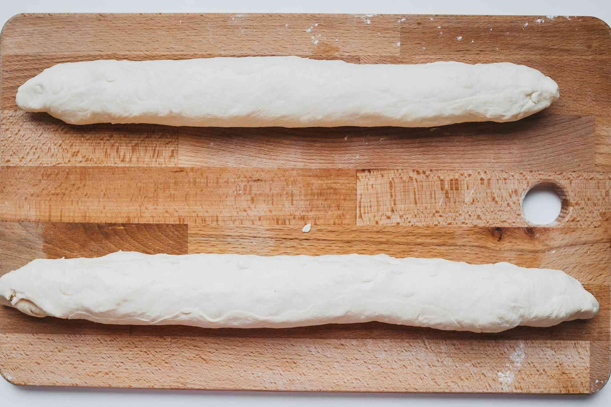 Tightly roll dough