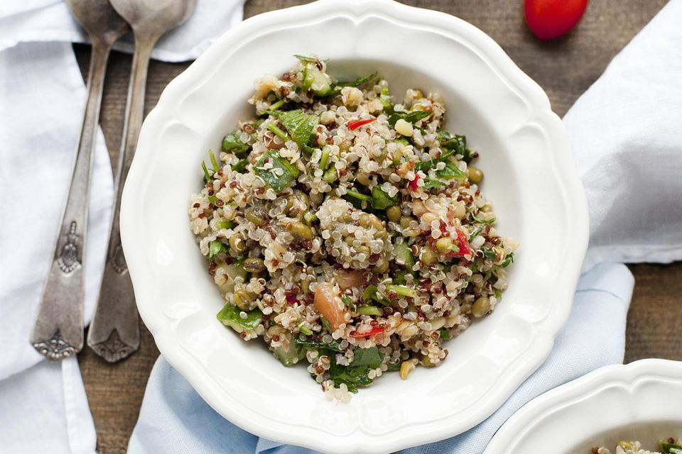 Quinoa and bean salad dish