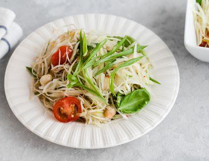 Som Tam - Thai Green Papaya Salad Recipe