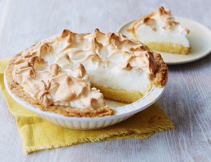 A simple lemon meringue pie