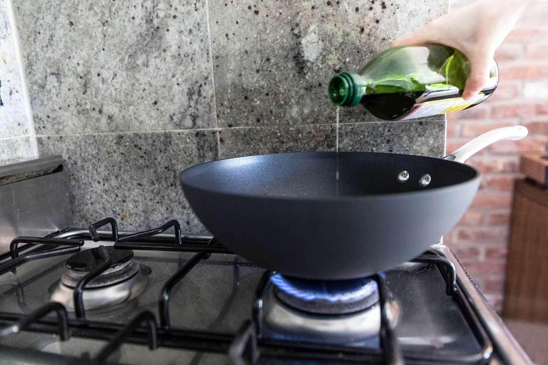 Calphalon Contemporary Nonstick Stir-Fry Pan