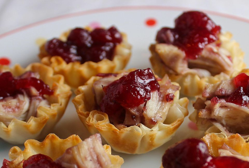 Mini cranberry filo shells