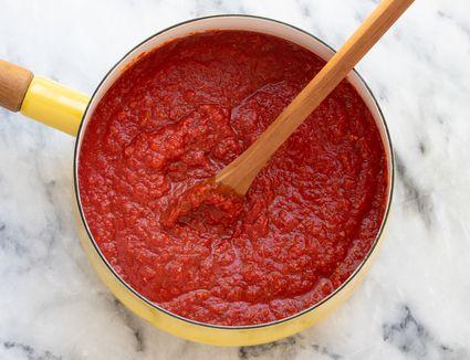 easy homemade pizza sauce in a saucepan.