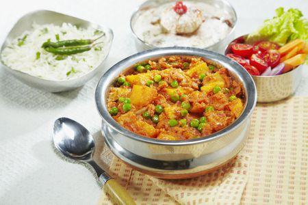 Aloo matar indian potatoes and peas recipe vegan aloo matar forumfinder Image collections