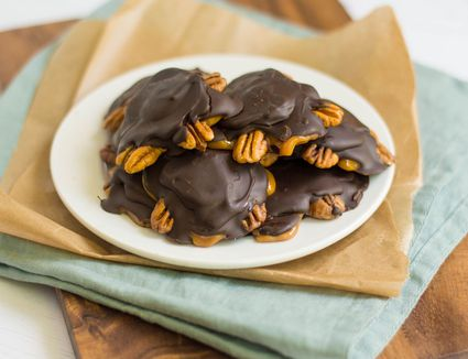 Turtle Candy Recipe With Pecans and Caramel