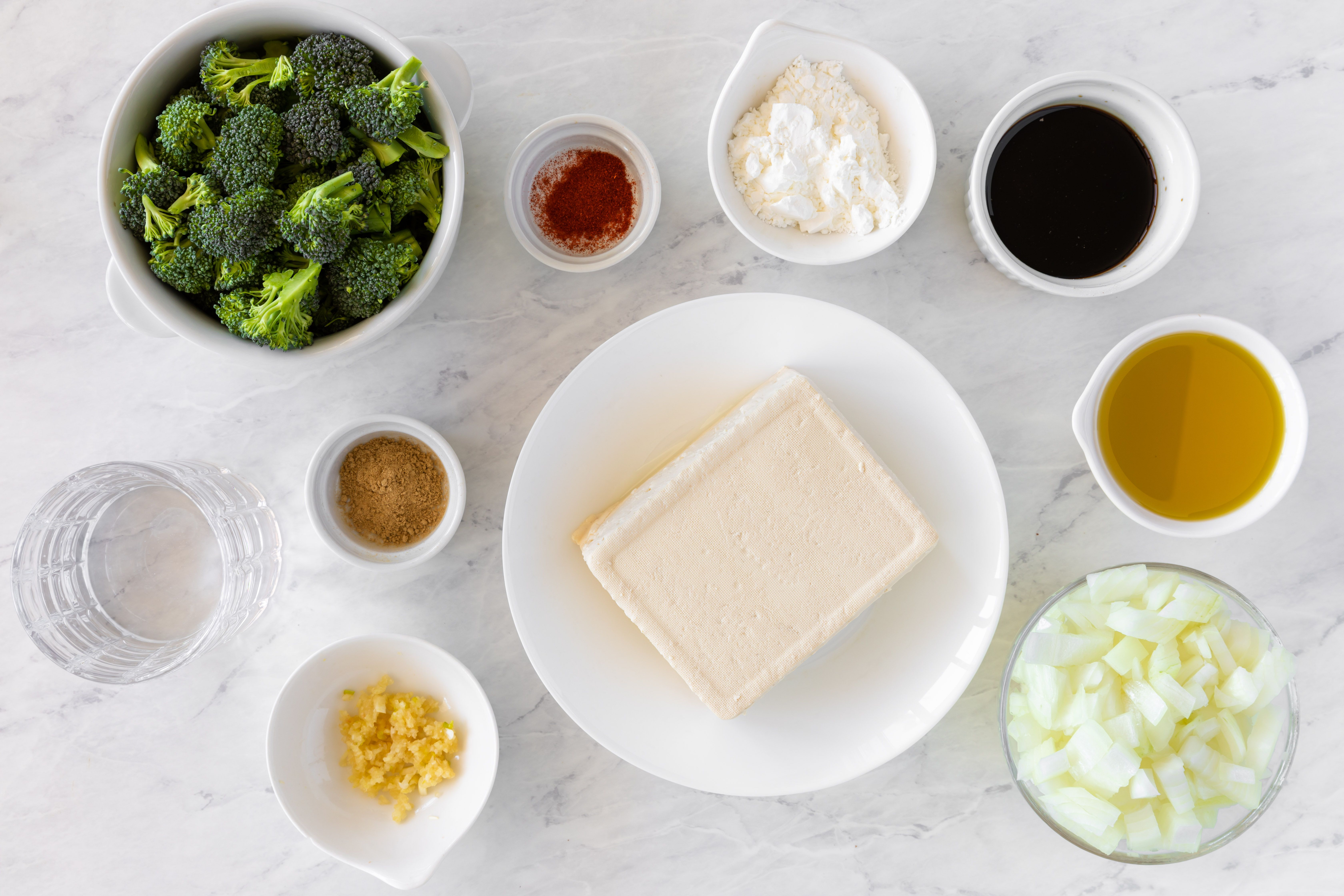 Ingredients for broccoli and tofu in garlic sauce