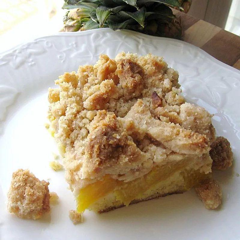 Polish Pineapple Crumb Cake