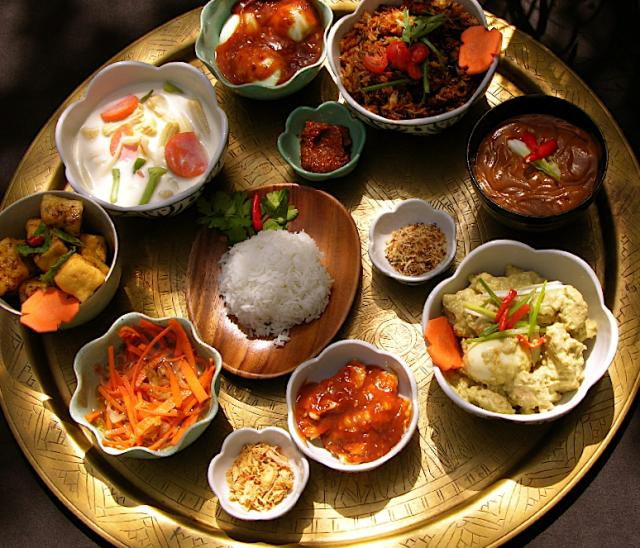 Indo-Dutch rijsttafel